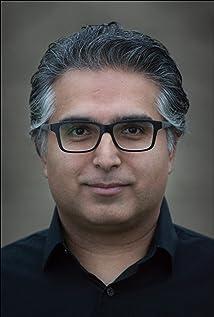 Tarique Qayumi Picture