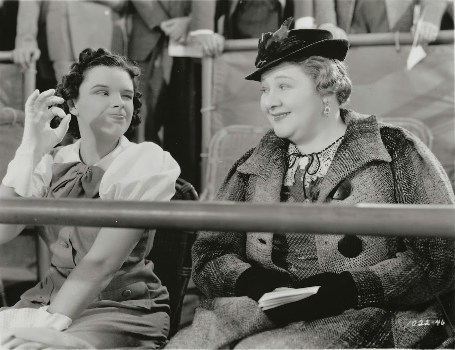 Judy Garland and Sophie Tucker in Thoroughbreds Don't Cry (1937)