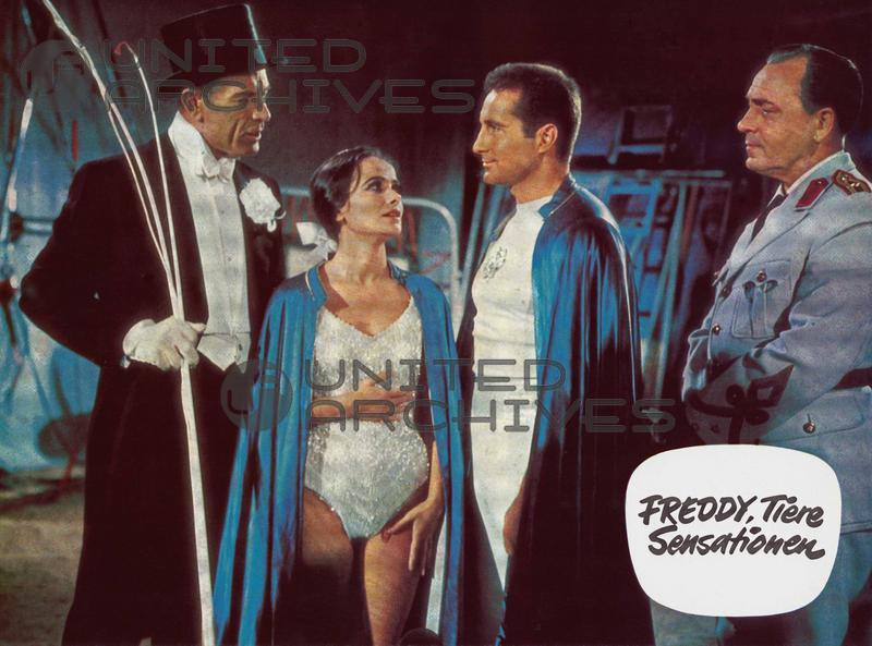 Paul Klinger, Freddy Quinn, Marisa Solinas, and Viktor Staal in Freddy, Tiere, Sensationen (1964)
