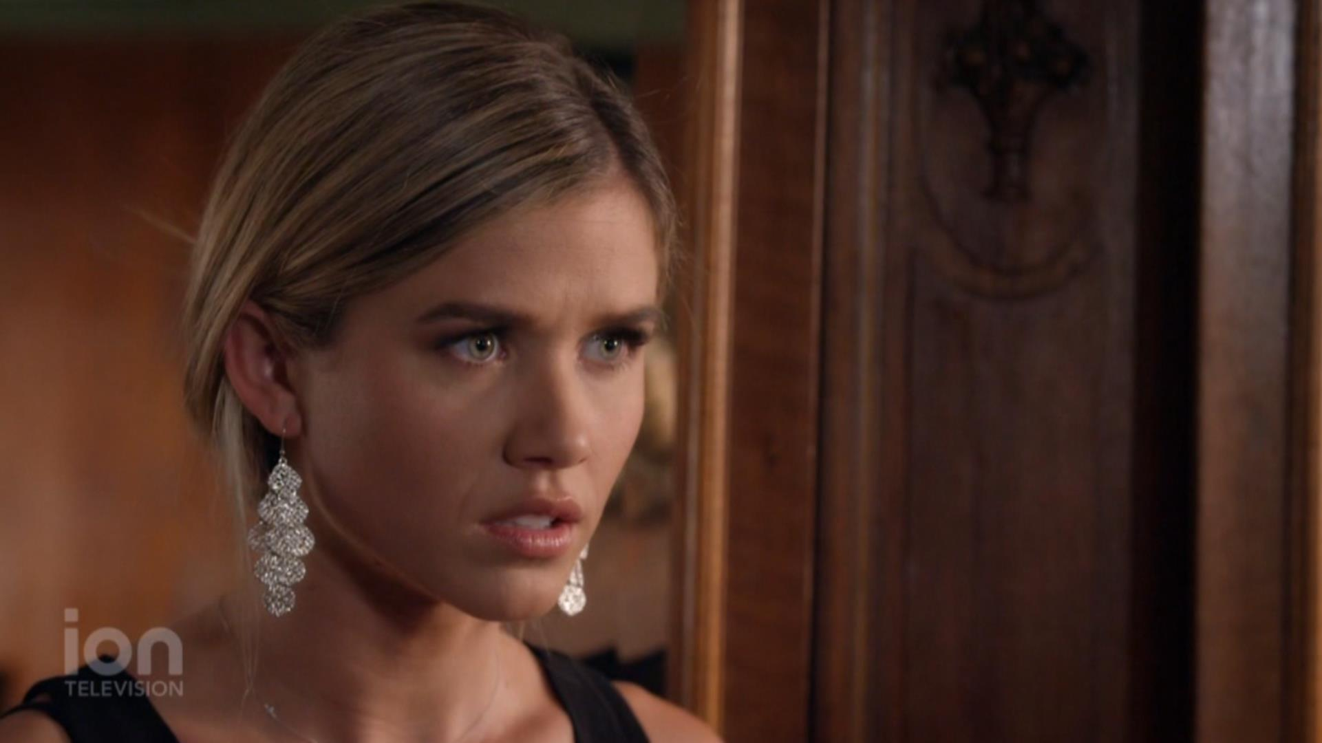 Anna Marie Dobbins in Christmas Matchmakers (2019)