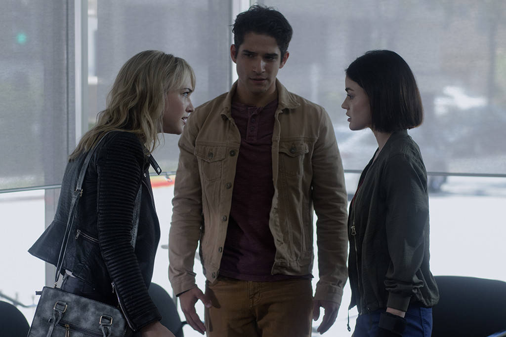 Tyler Posey, Lucy Hale, and Violett Beane in Truth or Dare (2018)