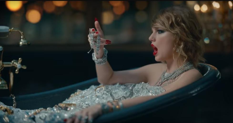 "دانلود زیرنویس فارسی فیلم ""Stripped"" Taylor Swift (TV Episode)"