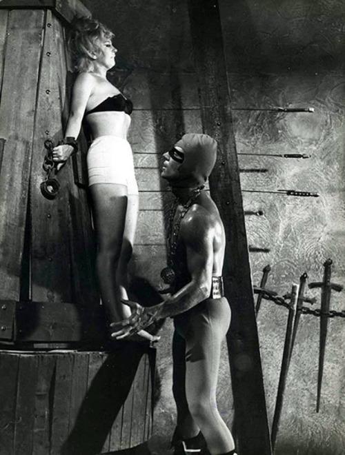 Mickey Hargitay in Il boia scarlatto (1965)