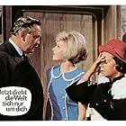 Gustav Knuth, Gitte Hænning, and Ruth Stephan in Jetzt dreht die Welt sich nur um dich (1964)