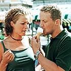 Matleena Kuusniemi and Petteri Summanen in Levottomat (2000)