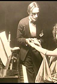 Gussy Holl and Conrad Veidt in Sehnsucht (1921)
