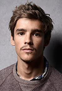 Primary photo for Brenton Thwaites