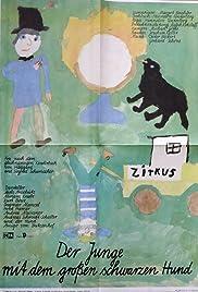 Der Junge mit dem großen schwarzen Hund Poster