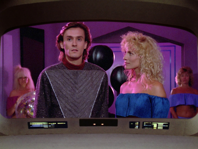 Danitza Kingsley and Robert Knepper in Star Trek: The Next Generation (1987)