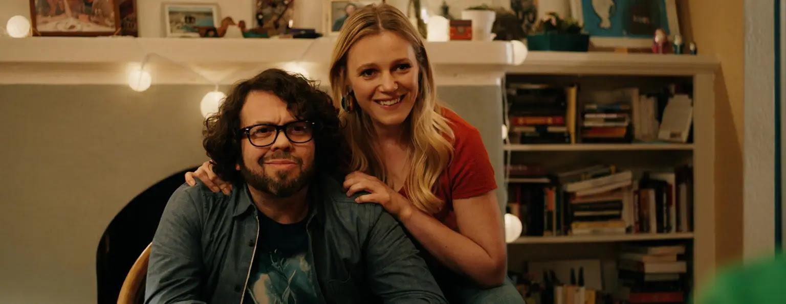 Emma Bell and Dan Fogler in The Argument (2020)