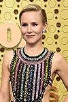 Kristen Bell's Comedy 'Queenpins' Sells to STX