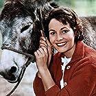 Karin Dor in 13 kleine Esel und der Sonnenhof (1958)