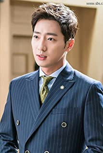 Lee Sang-Yeob Picture