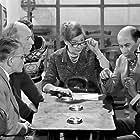 Lavrentis Dianellos, Takis Miliadis, Nitsa Tsaganea, Thanasis Vengos, and Kostas Mendis in Pare, kosme! (1967)