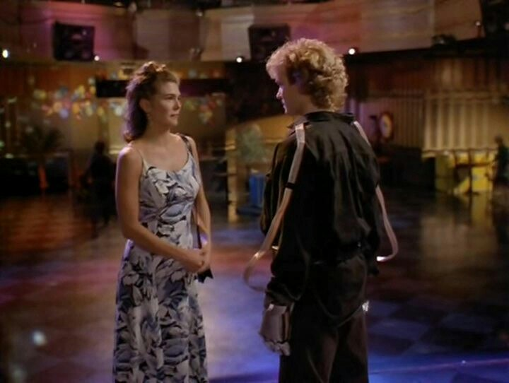 James Marshall and Paige Turco in Vibrations (1996)