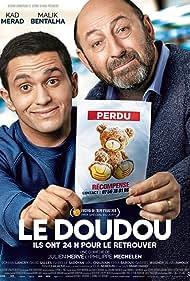 Kad Merad and Malik Bentalha in Le doudou (2018)