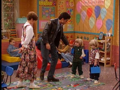 John Stamos, Blake Tuomy-Wilhoit, Dylan Tuomy-Wilhoit, and Bonnie Urseth in Full House (1987)