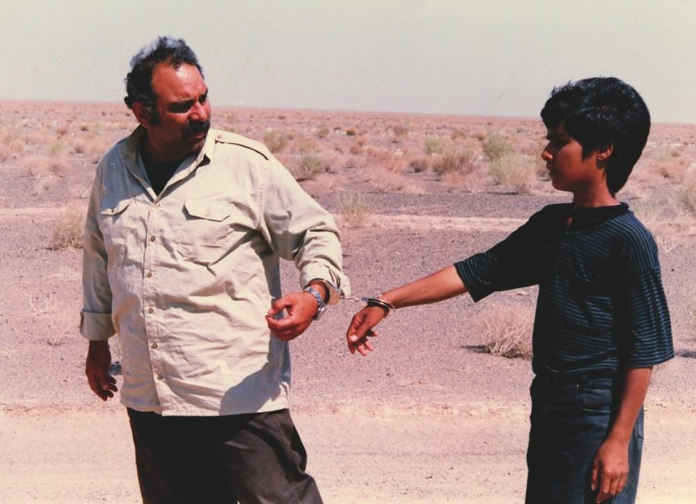 Mohammad Kasebi and Hassan Sadeghi in Pedar (1996)