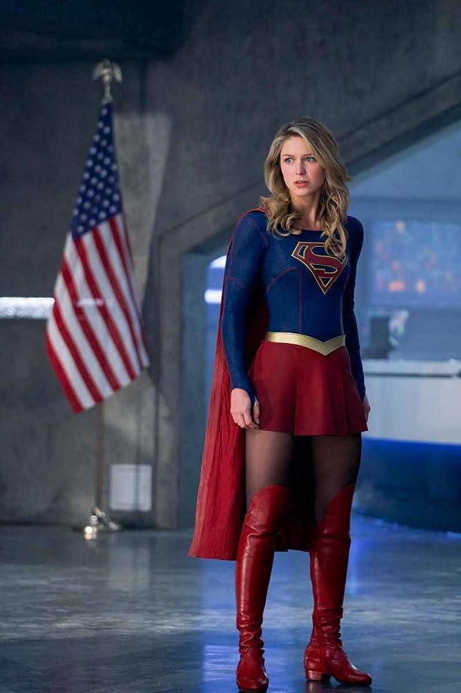 Supergirl in pantyhose