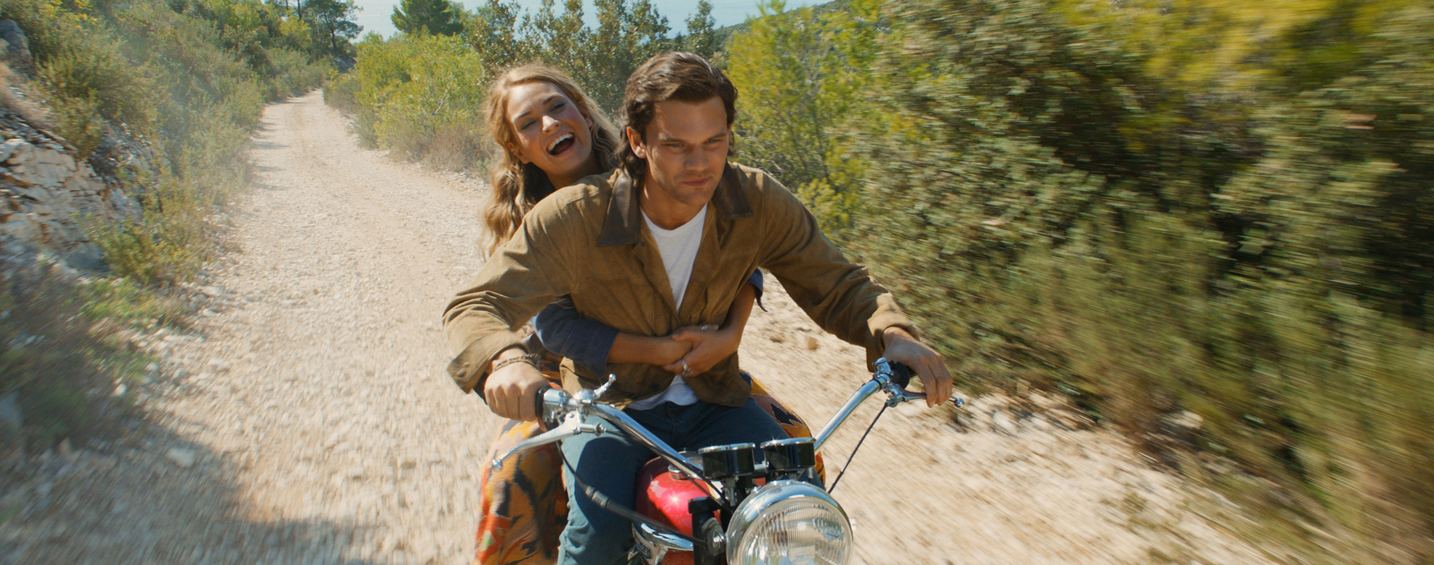 Jeremy Irvine and Lily James in Mamma Mia! Here We Go Again (2018)