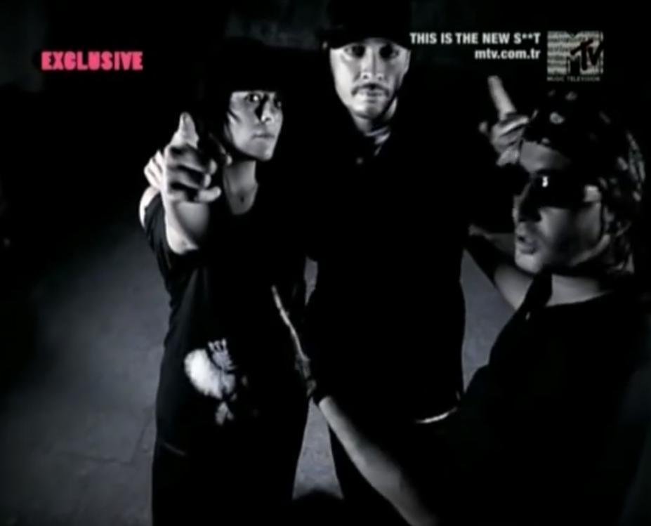 Ceza, Ayben, and Killa Hakan in Ayben Feat. Ceza & Killa Hakan: Kork Bizden (2008)
