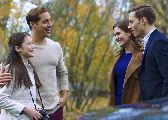 Gabrielle Jennings, Chris Violette, Jonathan Keltz, and Kathryn Kohut in Love at Look Lodge (2020)