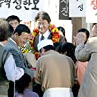 Kang-ho Song in Hyojadong ibalsa (2004)