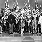 James Cagney, Rosemary DeCamp, Walter Huston, and Joan Leslie in Yankee Doodle Dandy (1942)