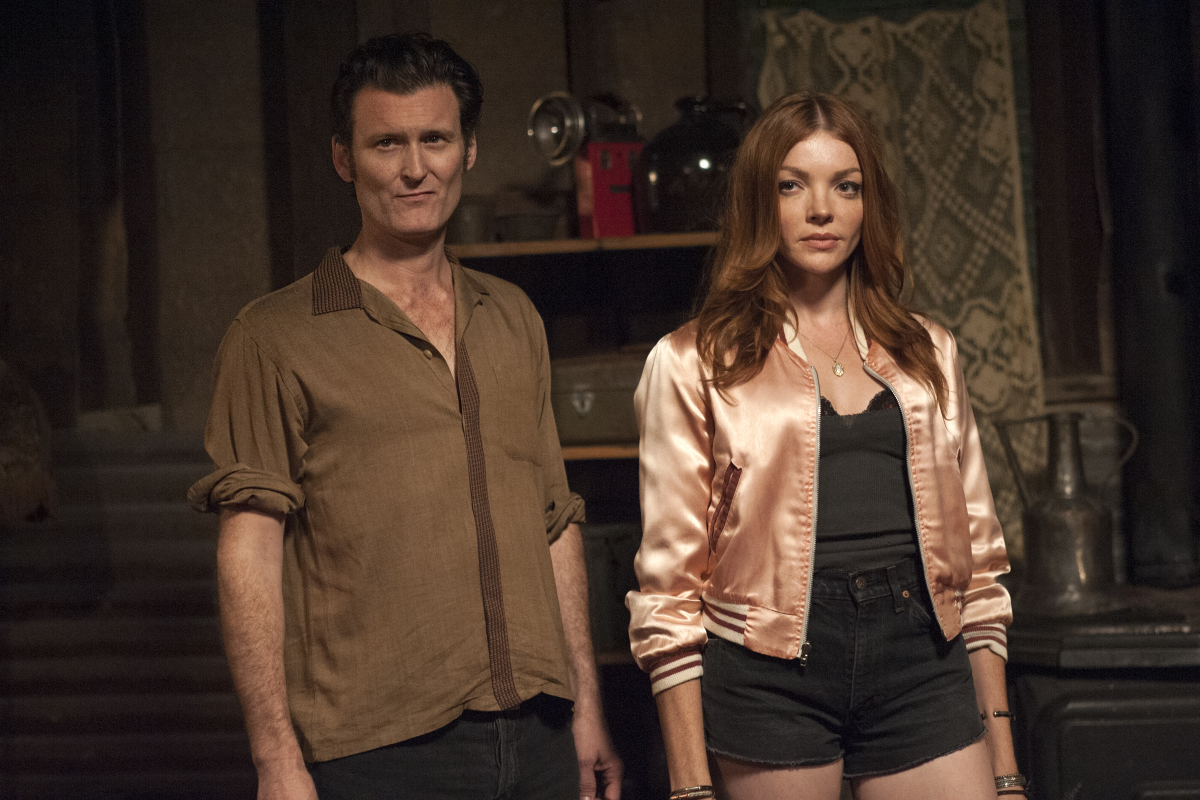 George Griffith and Nicole LaLiberte in Twin Peaks (2017)