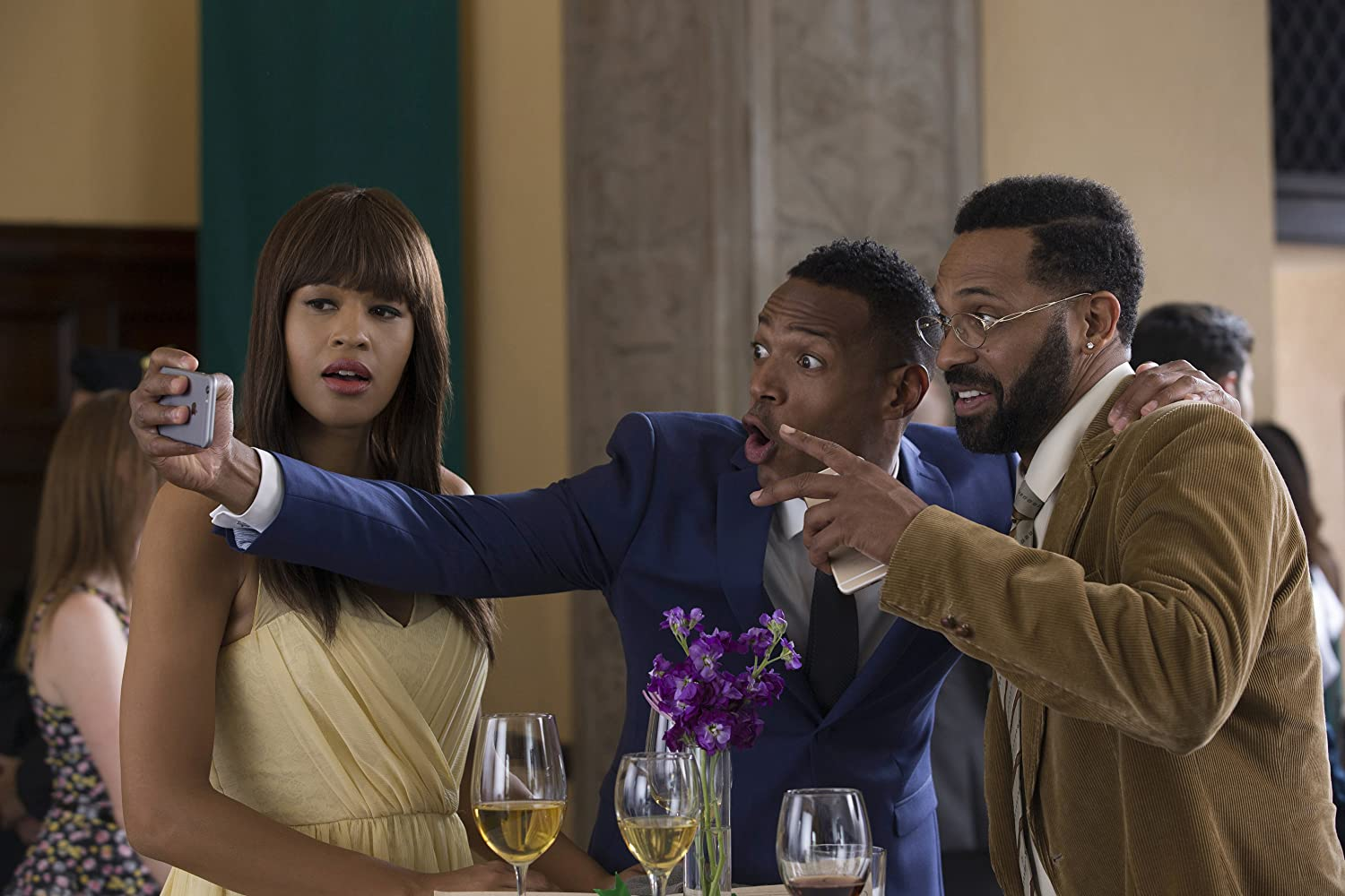 Marlon Wayans, Mike Epps, and Kali Hawk in Fifty Shades of Black (2016)