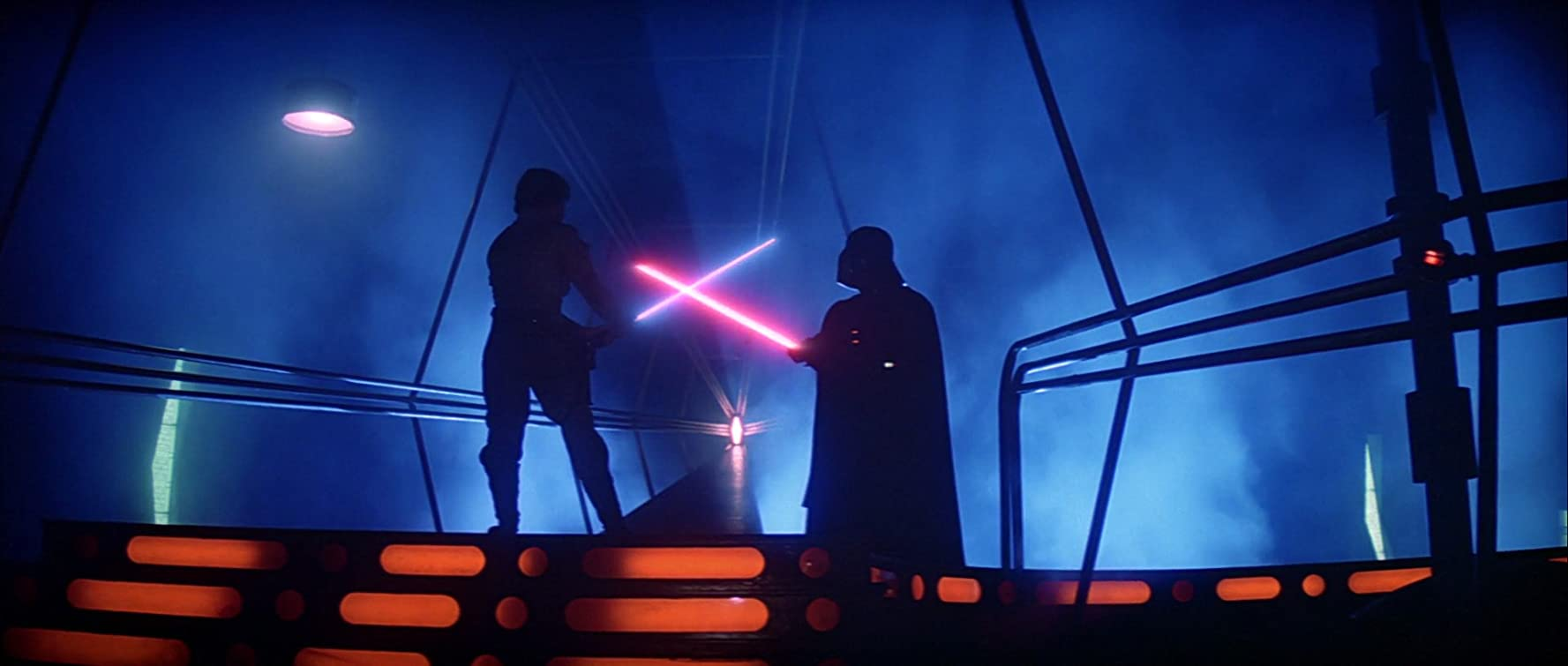 Mark Hamill and David Prowse in Star Wars: Episode V - The Empire Strikes Back (1980)