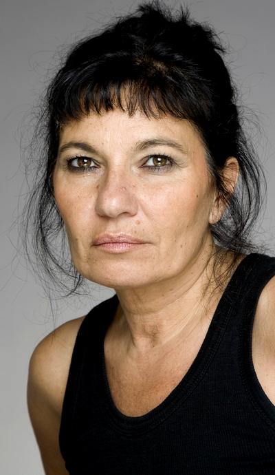 Özay Fecht in Evim Sensin (2012)