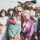Horace Cohen, Nelly Frijda, Jan-Willem Hees, René van 't Hof, Lou Landré, Nani Lehnhausen, Tatjana Simic, and Huub Stapel in Flodder (1986)