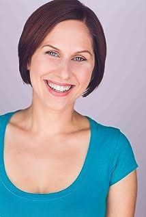 Annie Kerins Picture