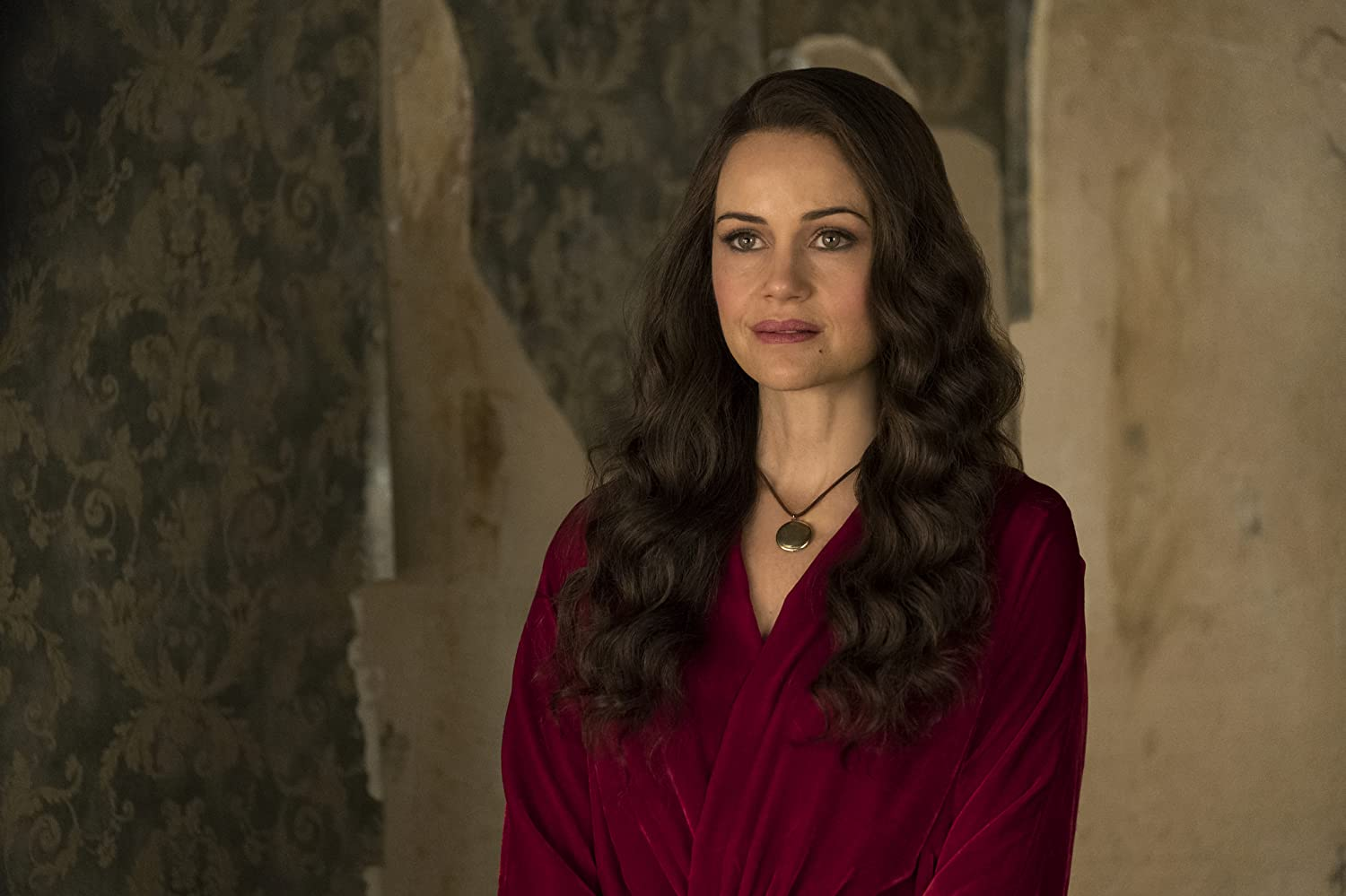Carla Gugino in The Haunting of Hill House (2018)