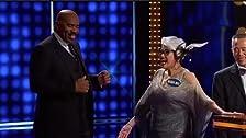 Maria Menounos vs. Jeannie Mai and NFL Legends vs. NFL All-Stars