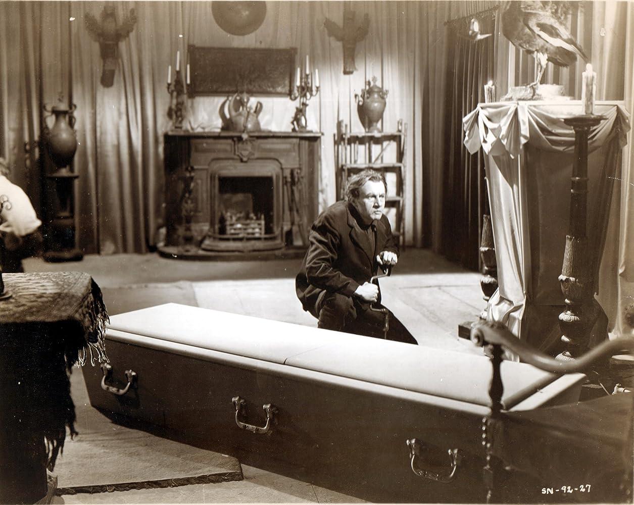 Dwight Frye in Dead Men Walk (1943)
