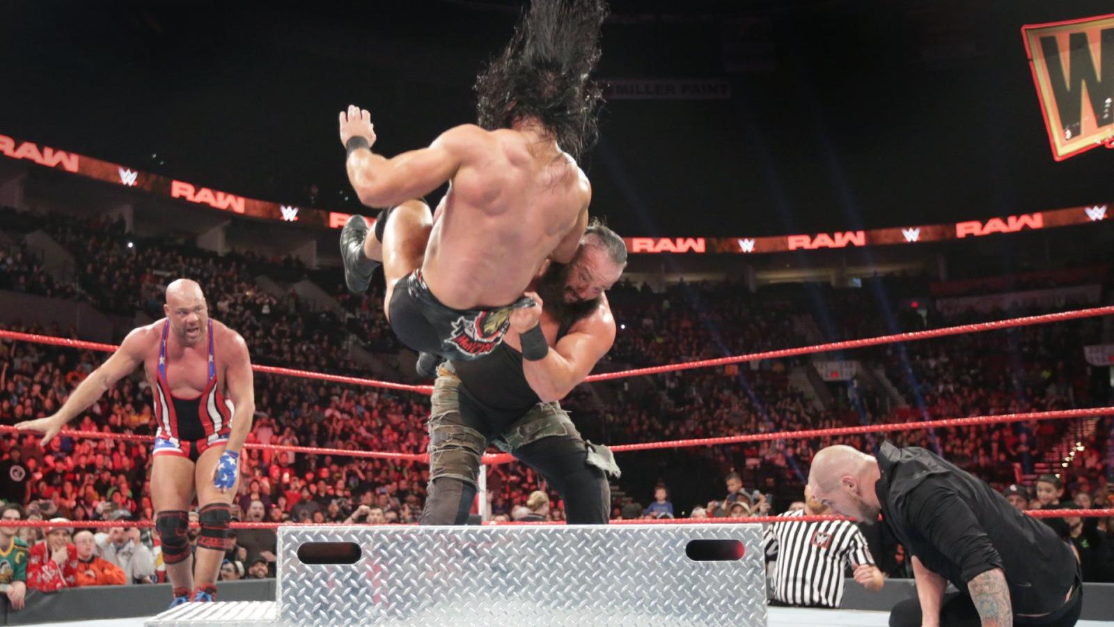 Wwe Raw The Road To Wwe Elimination Chamber 2019 Wwe