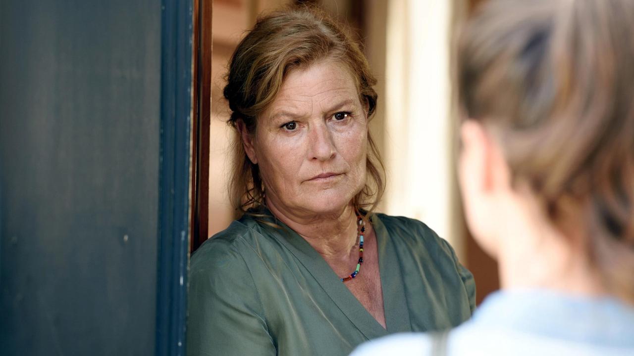Suzanne von Borsody in Donna Leon (2000)