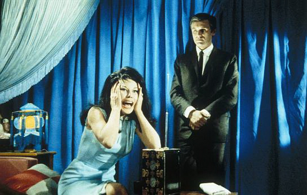 Dominique Boschero and Horst Frank in Heißer Hafen Hongkong (1962)