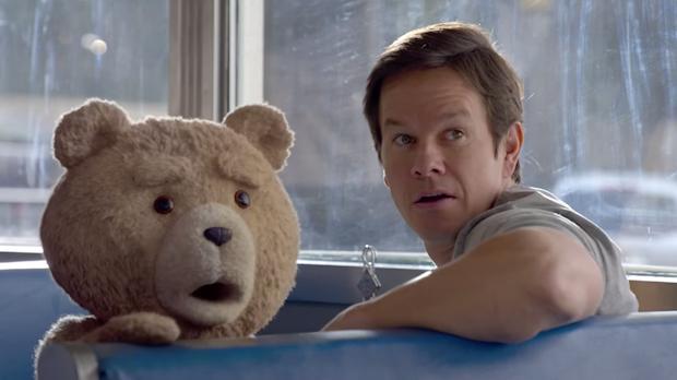 Mark Wahlberg and Seth MacFarlane in Ted 2 (2015)