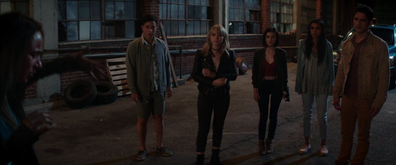 Tyler Posey, Lucy Hale, Sophia Ali, Aurora Perrineau, Hayden Szeto, and Violett Beane in Truth or Dare (2018)