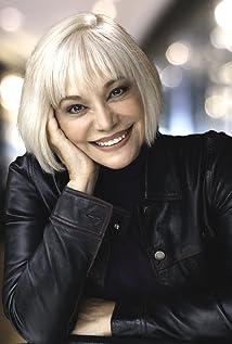 Nora Armani Picture