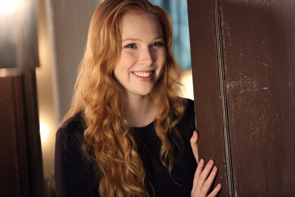 Redhead in tv show castle