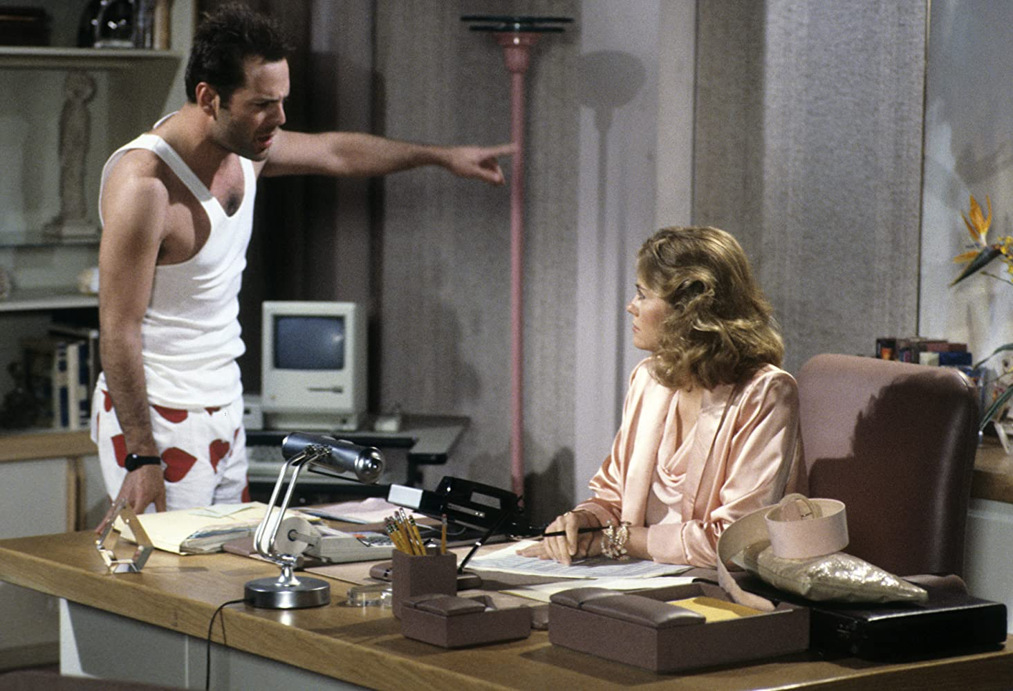 Historias de amor - Bruce Willis and Cybill Shepherd en Luz de luna (Moonlighting, 1985)