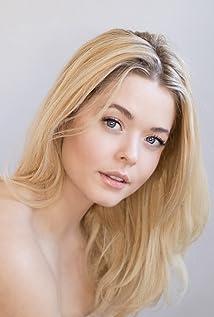 Sasha Pieterse Picture