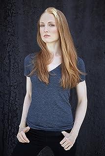 Emily Bennett Picture