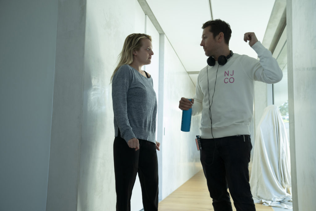 Elisabeth Moss and Leigh Whannell in The Invisible Man (2020)