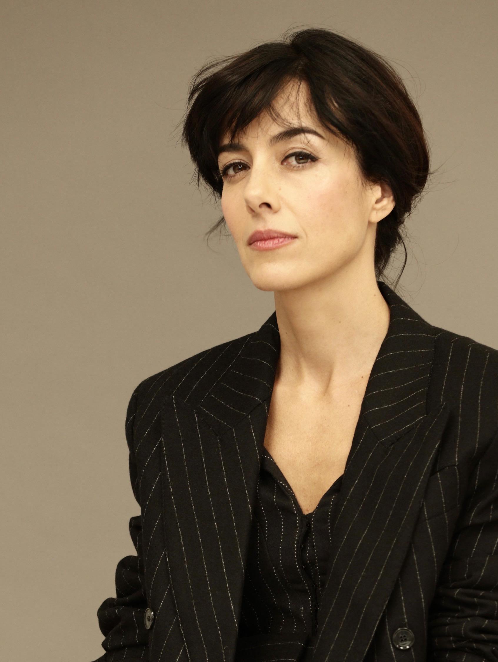 Cecilia Suarez Imdb Cecilia suárez se ha convertido en la protagonista de la exitosa serie la casa de las flores, de netflix, con su personaje de paulina de la mora. cecilia suarez imdb