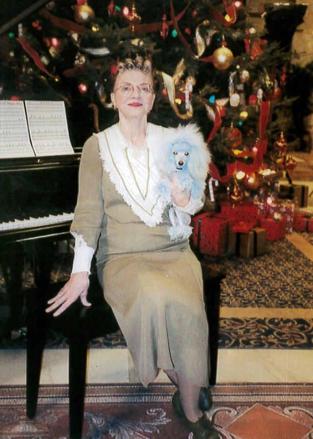 Eloise At Christmastime.Eloise At Christmastime 2003